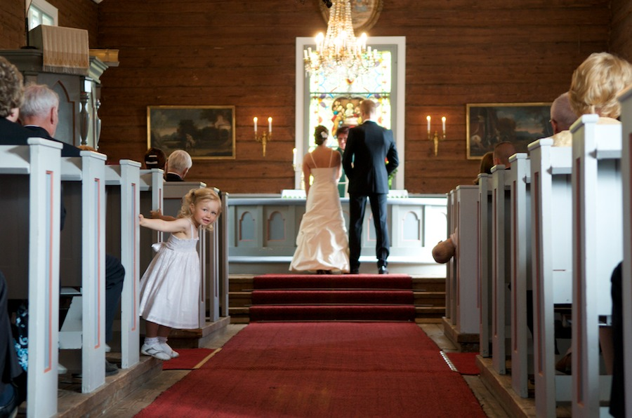 Eevan ja Pasin vihkiminen Haapajärven kirkossa Kirkkonummella
