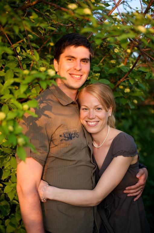 Heidi ja Stefan ilta-auringossa