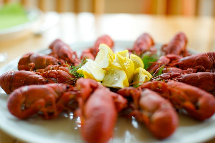 hääpäivän ruokia: suomalaisia jokirapuja