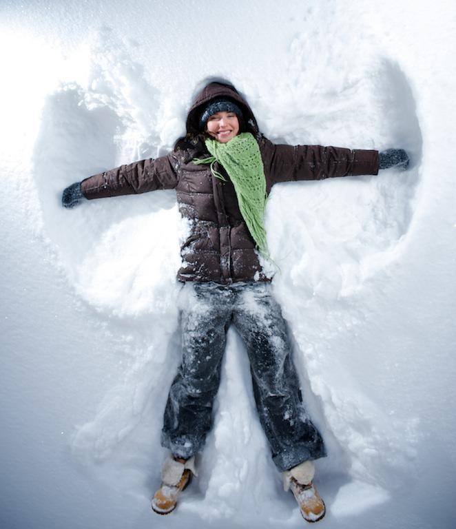 Marita tekee lumienkelin